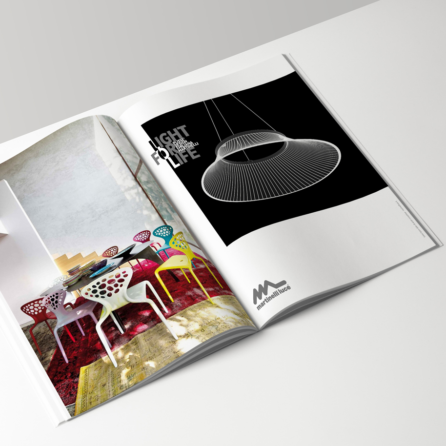 a4_magazine_mockup_Plisse_bn_02